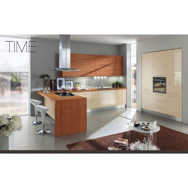 Модел TIME - Гланц крем J02 / Череша