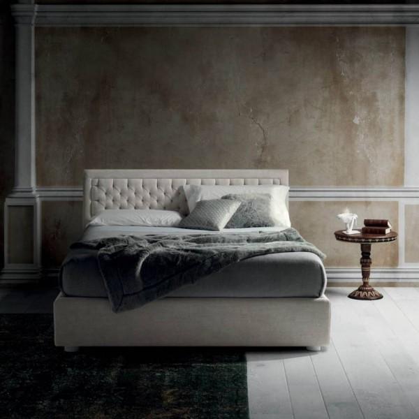 Класическа спалня с тапицирана табла, NEST