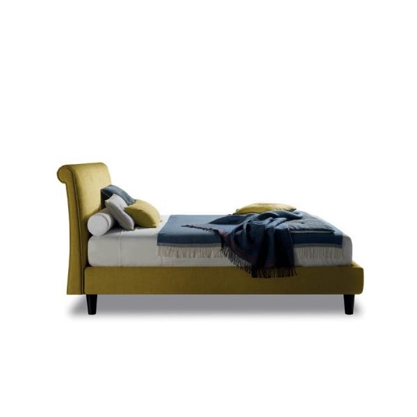 Италианско тапицирано легло, NOVEL